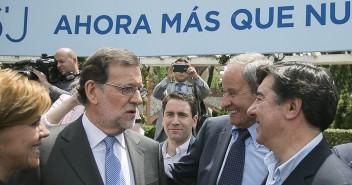 Mariano Rajoy y María Dolores de Cospedal durante el acto de presentación de candidatos