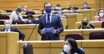Javier Maroto, en su turno, pregunta a Carolina Darias, ministra de Sanidad